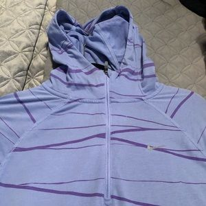 Nike quarter sleeve work out half zip